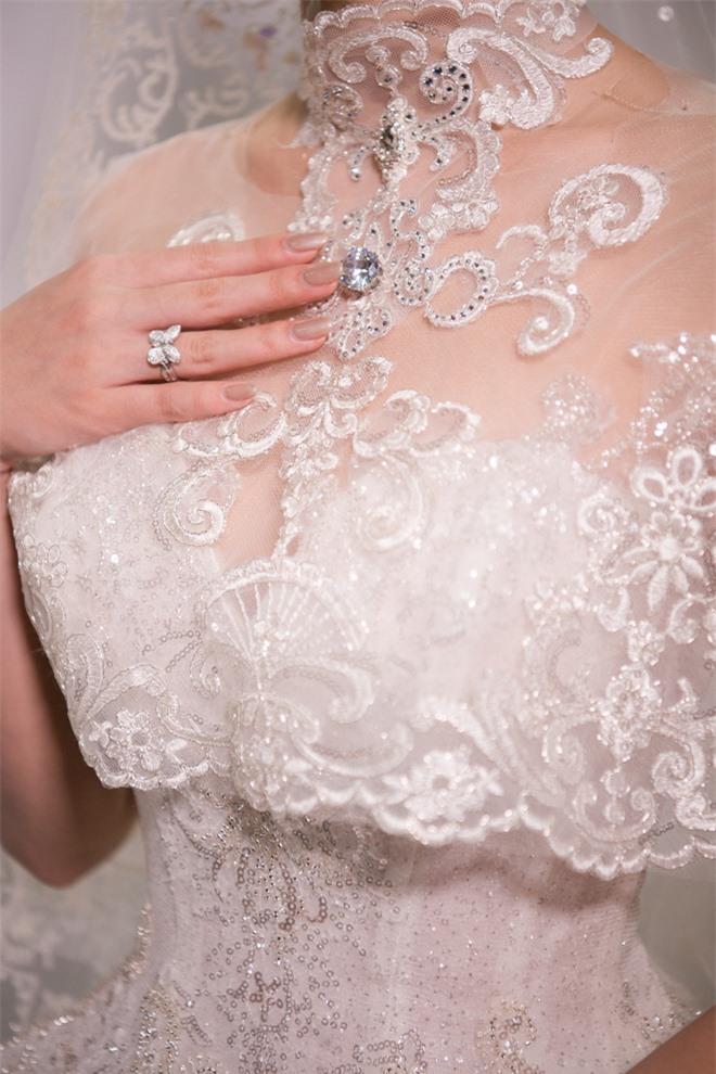 Đỗ Mỹ Linh xinh như công chúa, diện váy cưới 1 triệu USD - Ảnh 5.
