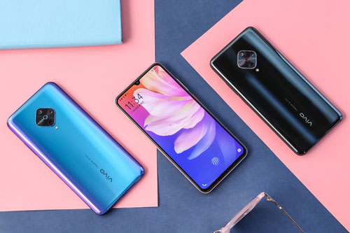 Vivo Y9s có 3 tùy chọn màu sắc gồm Fancy Sky, Nebula Blue và Knight Black. Máy có giá 1.998 Nhân dân tệ (tương đương 6,56 triệu đồng) tại Trung Quốc.
