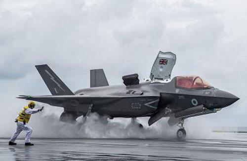 Tiêm kích F-35B.