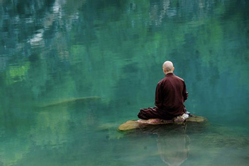 Cầu Phật mà nghĩ chuyện thất đức, sẽ phải báo ứng đến vạn năm