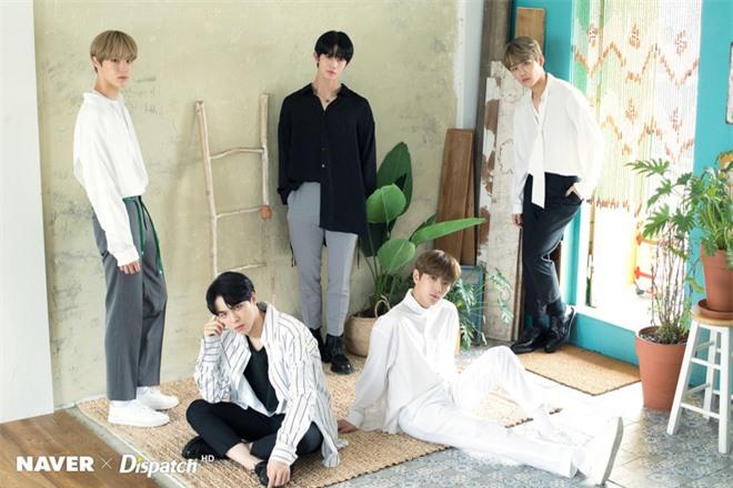 50 boygroup Kpop hot nhất hiện nay: Đối thủ không đội trời chung của BTS trở lại, top 5 gây tranh cãi vì BIGBANG bị tân binh lấn át - Ảnh 7.