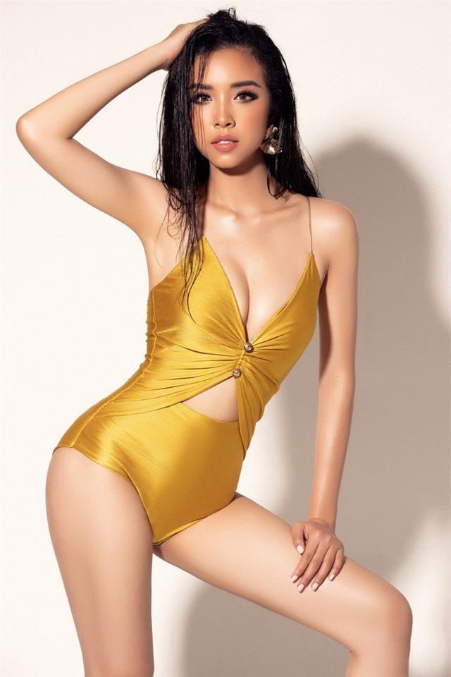 """Á hậu Thúy An khoe dáng """"nuột nà"""" với bikini vàng bắt mắt tại Miss Intercontinental - Ảnh 1."""