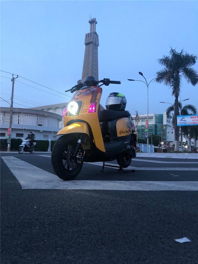 """Cuộc """"lột xác"""" ngoạn mục của chiếc xe ga Yamaha bị lãng quên tại Việt Nam ảnh 10"""