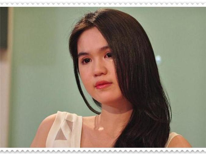 "Soi cuoc song kho cuc cua Ngoc Trinh truoc khi la ""nu hoang noi y""-Hinh-13"