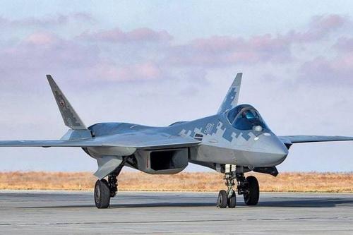 Trung Quốc có thể mua 12 tiêm kích tàng hình Su-57 của Nga. Ảnh: TASS>