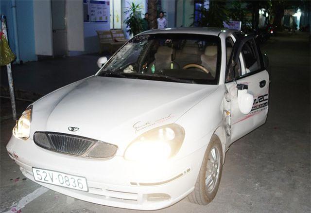 Cảnh sát 113 truy bắt xe ô tô gây tai nạn rồi bỏ trốn - 2