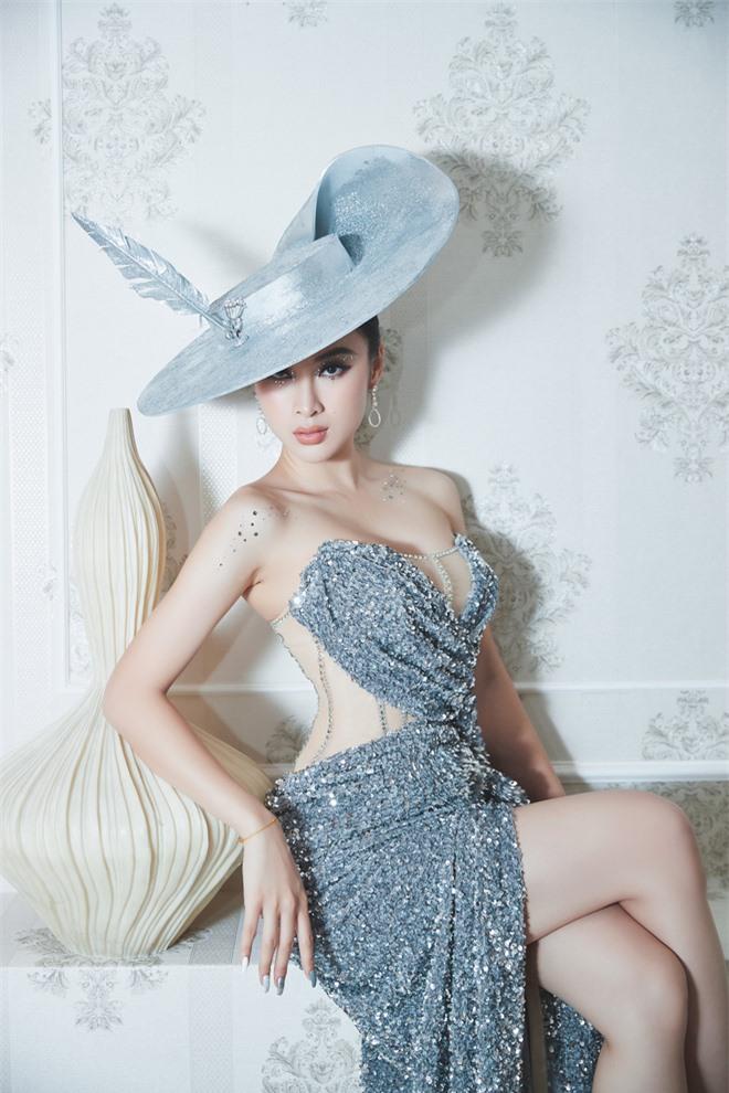 Angela Phương Trinh cuối cùng đã tái xuất đúng đẳng cấp nữ hoàng thảm đỏ, hội ngộ dàn mỹ nhân không tuổi Vbiz - Ảnh 1.