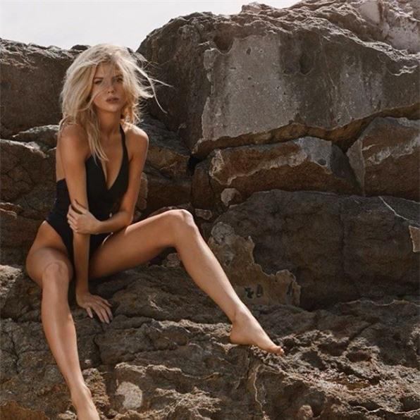 'Biểu tượng gợi cảm' nước Mỹ nảy nở gợi cảm với bikini - ảnh 5