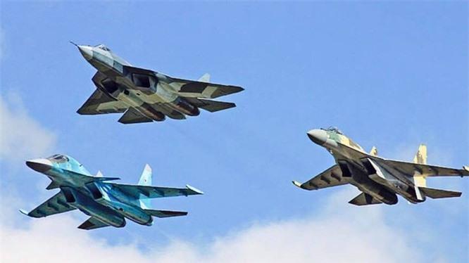 Den gio Nga van vong vo ve thoi gian hoan thien dong co tiem kich Su-57-Hinh-10