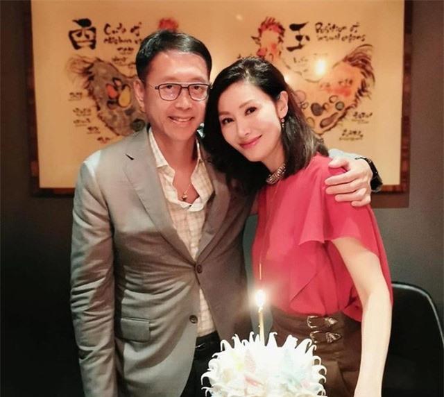 Hoa hậu đẹp nhất lịch sử Hong Kong: Bỏ tài tử nổi tiếng, lao vào các cuộc tình vật chất với đại gia - Ảnh 8.