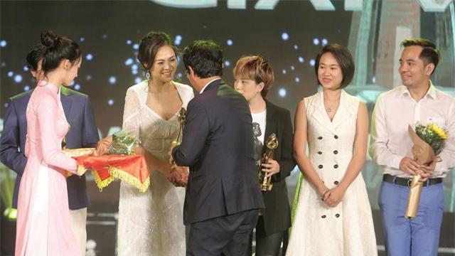 Sau 11 năm đóng phim, lần đầu tiên Thu Quỳnh đoạt Nữ diễn viên xuất sắc - 2