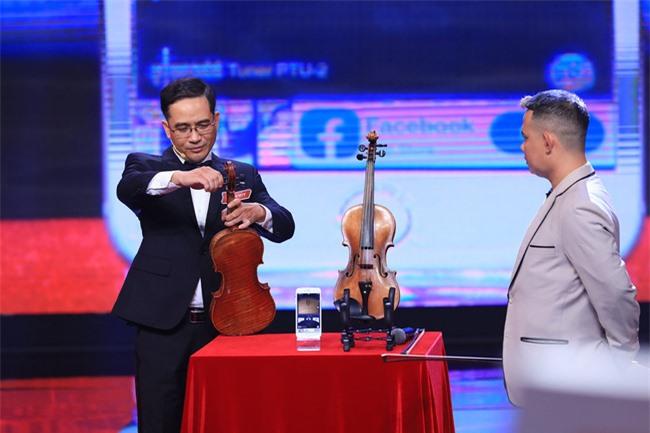 """""""Siêu trí tuệ"""": Anh trai Khánh Thi khiến Trấn Thành """"gục ngã"""" với khả năng nghe giai điệu đoán trúng phóc giới tính người chơi - Ảnh 4."""