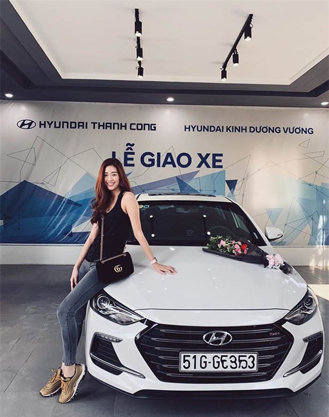 Khánh Vân thích dùng xe Hyundai.