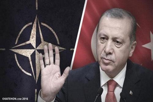 """Thổ Nhĩ Kỳ đang """"rất không hài lòng"""" với các đồng minh NATO"""