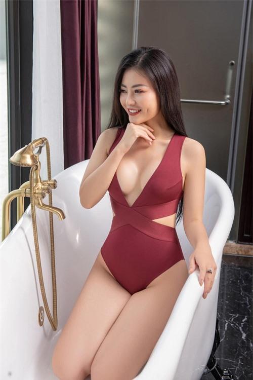 Vẻ đẹp nóng bỏng của diễn viên Thanh Hương từ chối