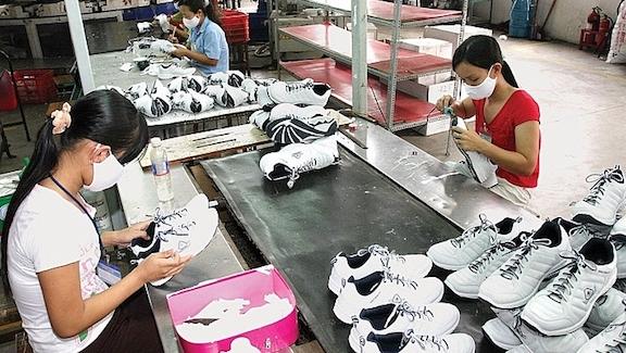 Hiện nay Việt Nam đã trở thành quốc gia xuất khẩu giày dép và túi xách lớn của thế giới.