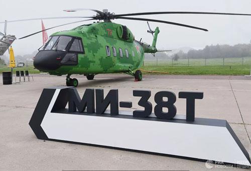 Trực thăng Mi-38T đầu tiên của Nga đã được nhập biên chế nước này hôm vừa rồi. Đây là bước ngoặt cho thấy Mi-38 đã đáp ứng đủ các yêu cầu của Bộ Quốc Phòng Nga, sớm trở thành trực thăng thay thế cho Mi-8/17 đúng như kỳ vọng của nhà sản xuất.