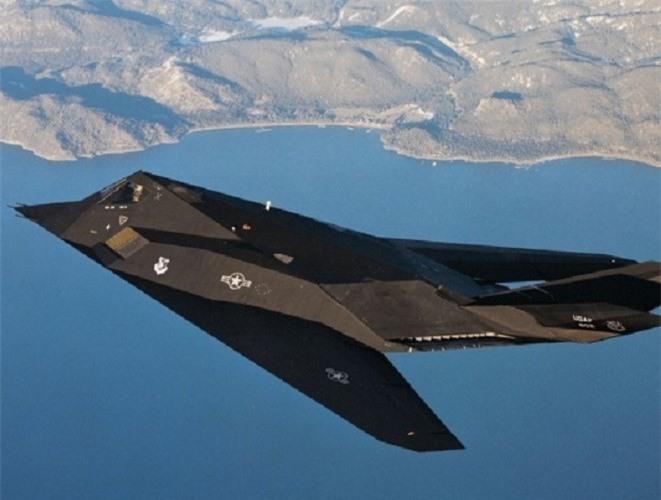 Khong ngo may bay nem bom F-117A Nighthawk cua My lai thuc chien kem the nay!-Hinh-12