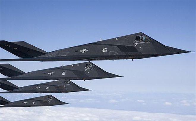 Khong ngo may bay nem bom F-117A Nighthawk cua My lai thuc chien kem the nay!-Hinh-13