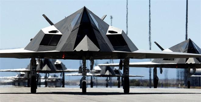 Khong ngo may bay nem bom F-117A Nighthawk cua My lai thuc chien kem the nay!-Hinh-14