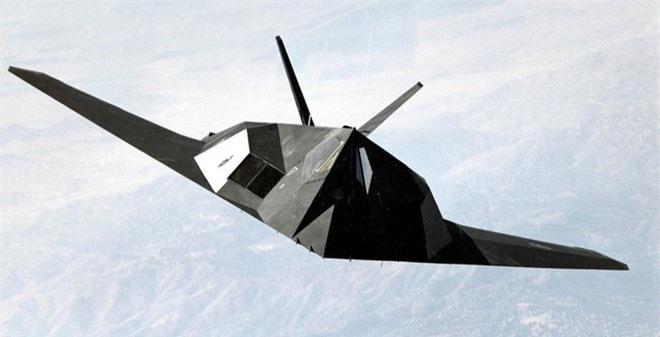 Khong ngo may bay nem bom F-117A Nighthawk cua My lai thuc chien kem the nay!-Hinh-15
