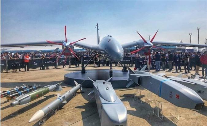Tho Nhi Ky thu nghiem may bay khong nguoi lai co khoang bung nhu F-35, F-22-Hinh-5