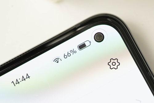 Máy ảnh selfie 32 MP, f/2.4.