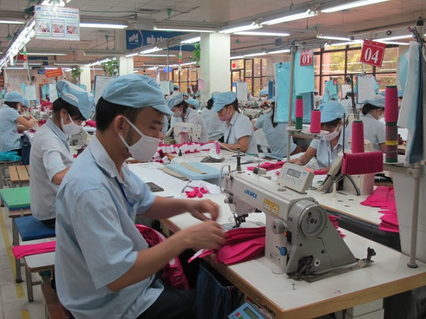Ngành sợi, dệt, may Việt Nam đang điêu đứng và đứng trước nguy cơ bị phá sản.