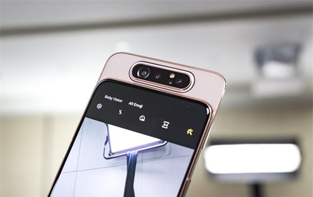 Những mẫu smartphone cận cao cấp đáng chú ý năm 2019 - Ảnh 4.