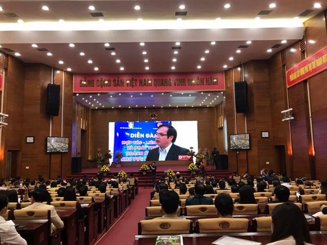Diễn đàn thu hút sự quan tâm của hơn 450 đại biểu và khách mời tham dự.