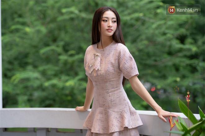 Gặp Lương Thùy Linh sau thành tích Top 12 Miss World: Tôi là nhân chứng sống của chân dài mà não không ngắn - Ảnh 10.