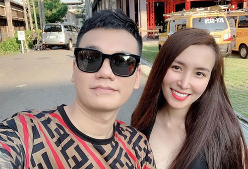 Khắc Việt và