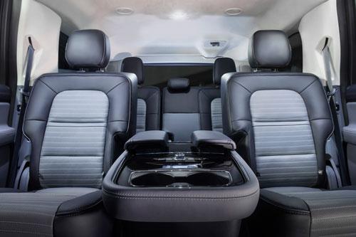 7. Lincoln Navigator 2020.