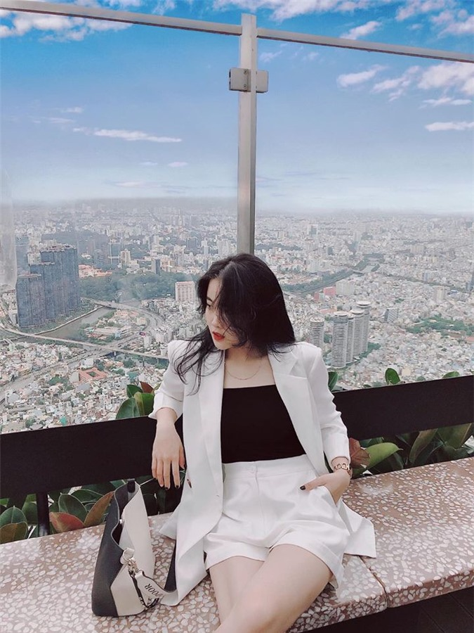 Ban gai Van Hau gay an tuong voi phong cach thoi trang sanh dieu het nac-Hinh-11