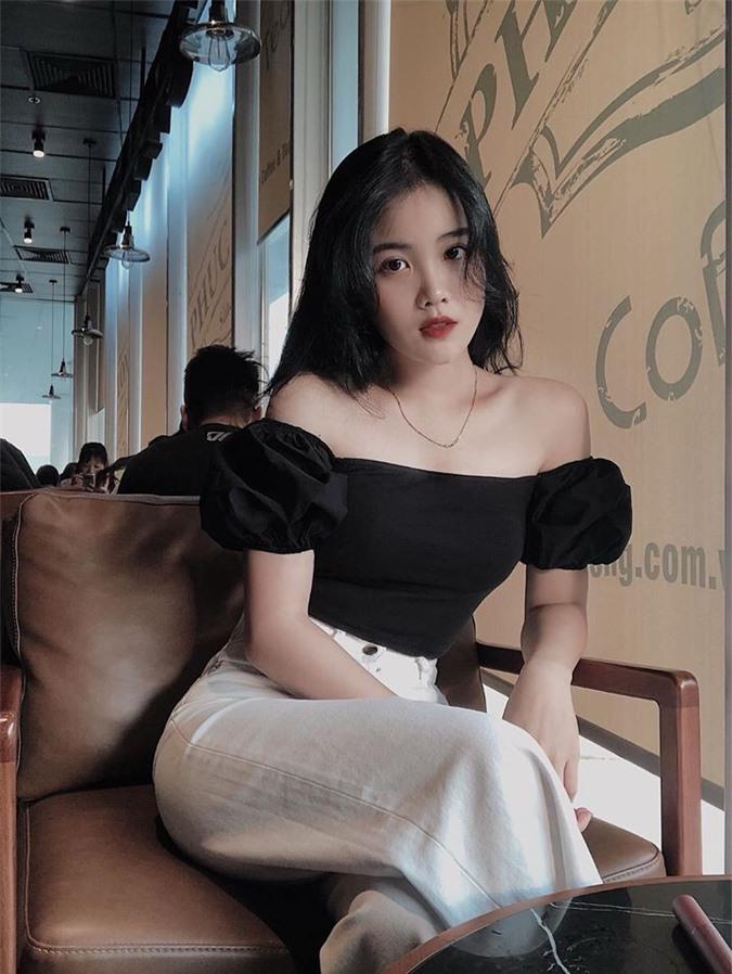 Ban gai Van Hau gay an tuong voi phong cach thoi trang sanh dieu het nac-Hinh-14
