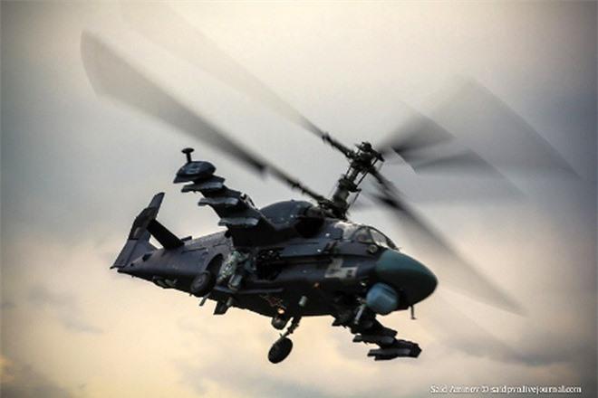 Truc thang Ka-52 Alligator Nga duoi danh may bay My tren bau troi Syria?-Hinh-11