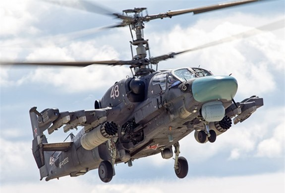 Truc thang Ka-52 Alligator Nga duoi danh may bay My tren bau troi Syria?-Hinh-4