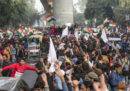 Người biểu tình tập trung tại New Delhi, Ấn Độ, ngày 18/12/2019. Ảnh: THX/ TTXVN.