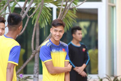 Trung vệ người Thái Bình từng là thành viên của các lứa U14, U16, U18 Việt Nam.