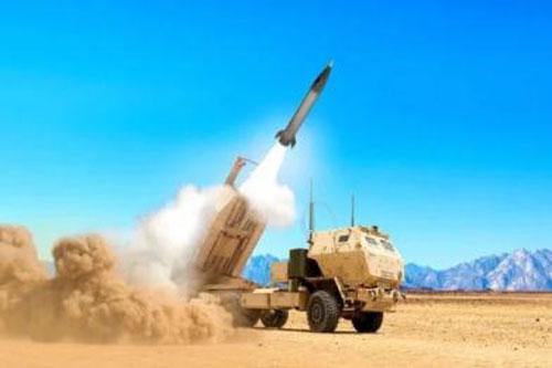 Mỹ phóng tên lửa.