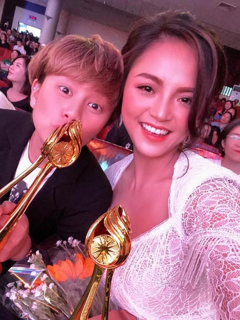 """Thu Quỳnh vừa nhận giải """"Nữ diễn viên xuất sắc nhất"""" trong lễ bế mạc """"Liên hoan truyền hình toàn quốc"""" lần thứ 39."""