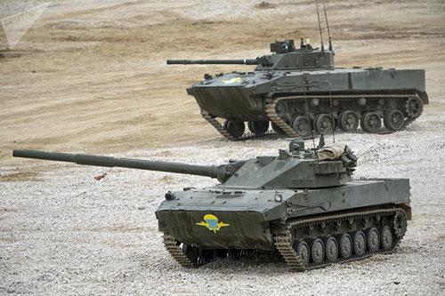 Trong biên chế của quân đội Nga hiện tại có rất ít pháo tự hành chống tăng, một vài loại pháo tự hành chống tăng hiếm hoi được Nga sử dụng trong biên chế của lực lượng dù nhưng lại sử dụng bánh xích. Có vẻ như, Nga đã hoàn toàn