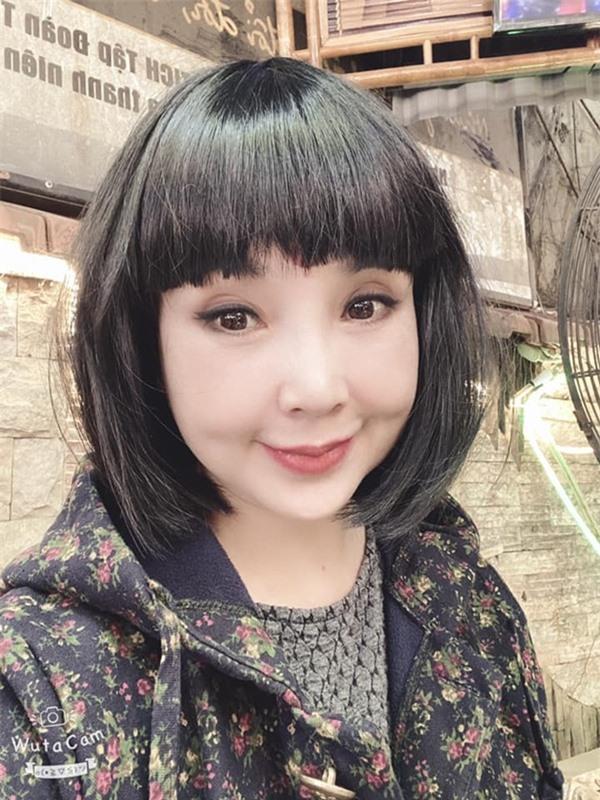 NSND Lan Hương Em bé Hà Nội: Đừng cho rằng tôi sợ già - Ảnh 2.