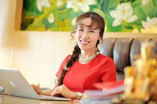 Mới đây, Forbes công bố danh sách thường niên 100 người phụ nữ quyền lực nhất thế giới 2019. Đáng chú ý, tỷ phú Nguyễn Thị Phương Thảo, CEO Vietjet Air, lần thứ 3 liên tiếp vào top 100 và là đại diện duy nhất của Việt Nam trong danh sách. Ảnh: VJA.