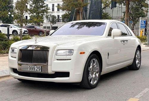 Rolls-Royce Ghost ngoại thất tông trắng sở hữu biển số vip 999.29.