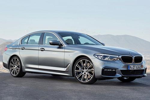 BMW Series 5 2019 (giá khởi điểm của phiên bản AWD: 55.700 USD, điểm số: 9/10).