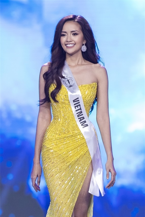 Ngọc Châu là đại diện Việt Nam thi Miss  Suprantional 2019 ở Ba Lan.