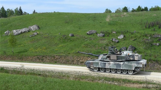 NATO se khuat phuc Nga, Trung Quoc bang xe tang nong phao sieu khung 130mm?-Hinh-5