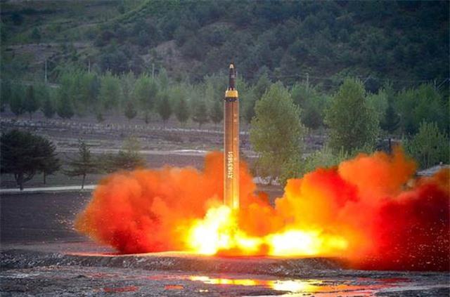 Triều Tiên mở rộng nhà máy chế tạo tên lửa có tầm phóng tới Mỹ - 1
