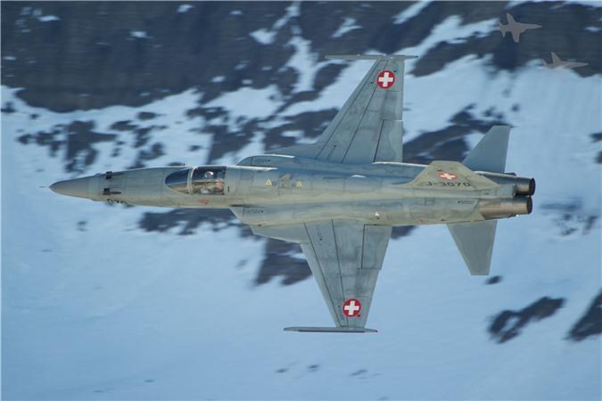 Mua lai tiem kich F-5E cu rich, My co toan tinh gi khien Nga, Trung lo ngai?-Hinh-19
